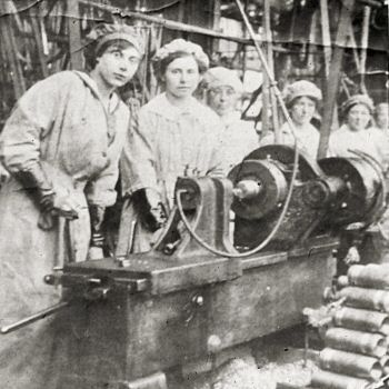 Women munitions workers at Paxman in 1916